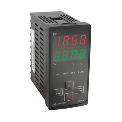 Dwyer 8C-2, 1/8 DIN Temperature Process Controller